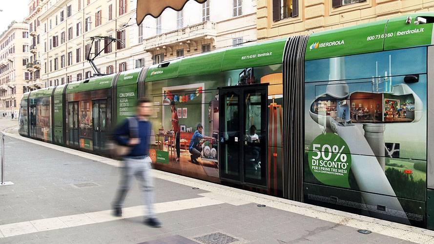 IGPDecaux pubblicità su tram a Roma Full-Wrap per Iberdrola