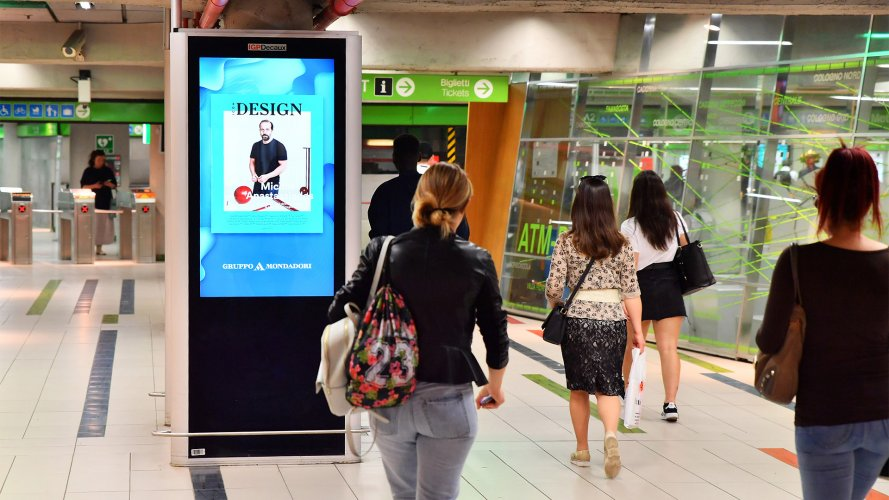 Pubblicità metropolitana Milano Circuito Digital a Milano per Mondadori IGPDecaux