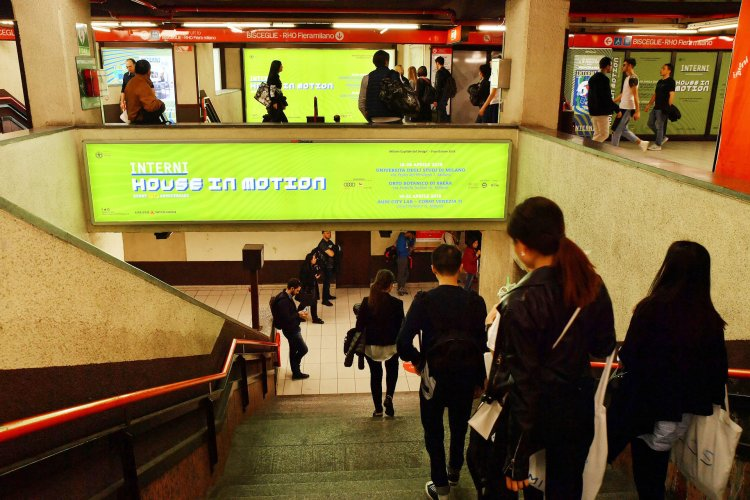 Underground advertising Area station domination IGPDecaux in Milan for Mondadori