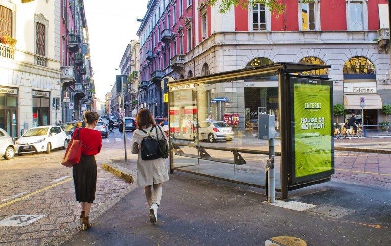 Outdoor advertising IGPDecaux brand shelter + Mupi in Milan for Mondadori