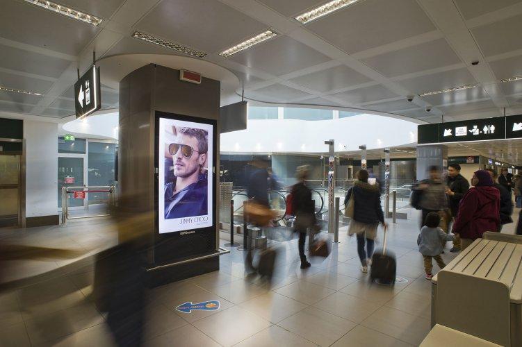 Pubblicità aeroporti IGPDecaux Circuito Digital a Malpensa per Jimmy Choo