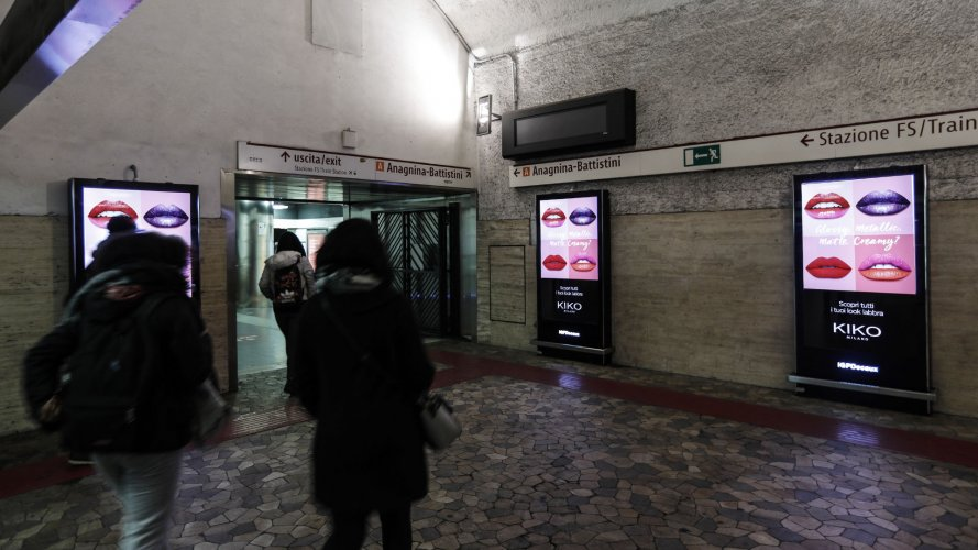 Pubblicità Out Of Home IGPDecaux Circuito Digital a Roma per Kiko