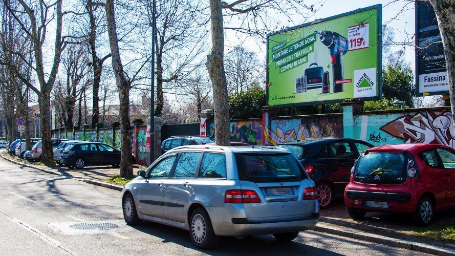 Affissioni Milano IGPDecaux medio formato per Leroy Merlin