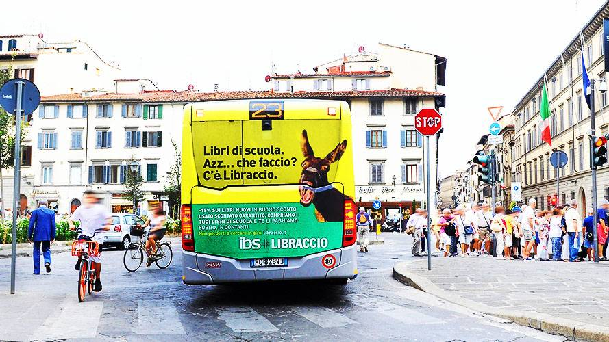 Pubblicità su autobus IGPDecaux FullBack Firenze per Il Libraccio