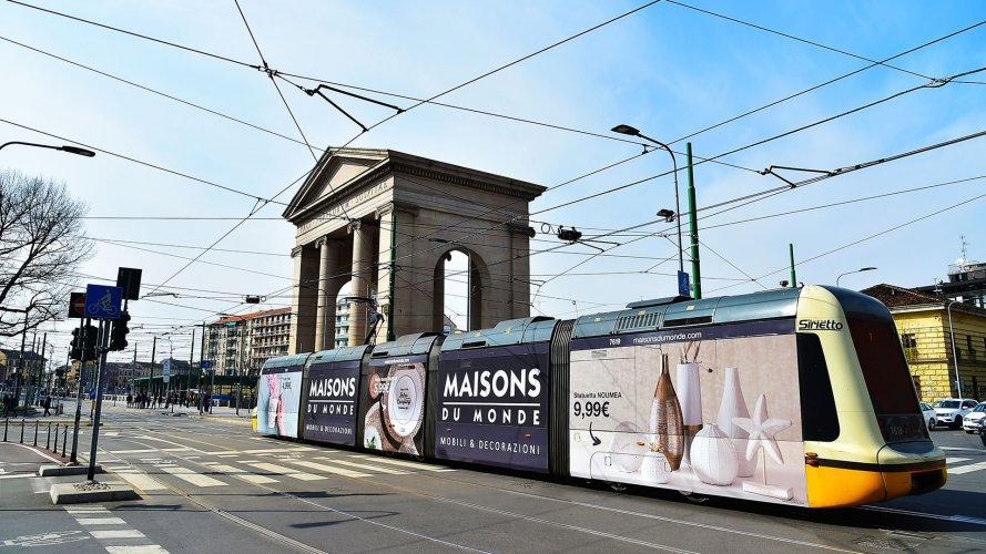 Advertising in Milan IGPDecaux Full-Wrap for Maisons Du Monde