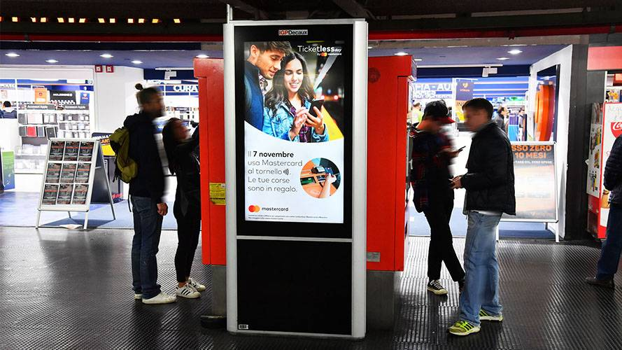 IGPDecaux DOOH advertising a Milano Network Vision Metropolitana per Mastercard