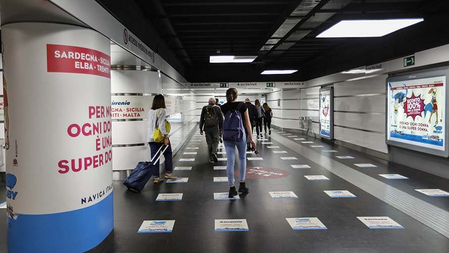 Underground advertising Area station domination IGPDecaux in Rome for Moby Lines