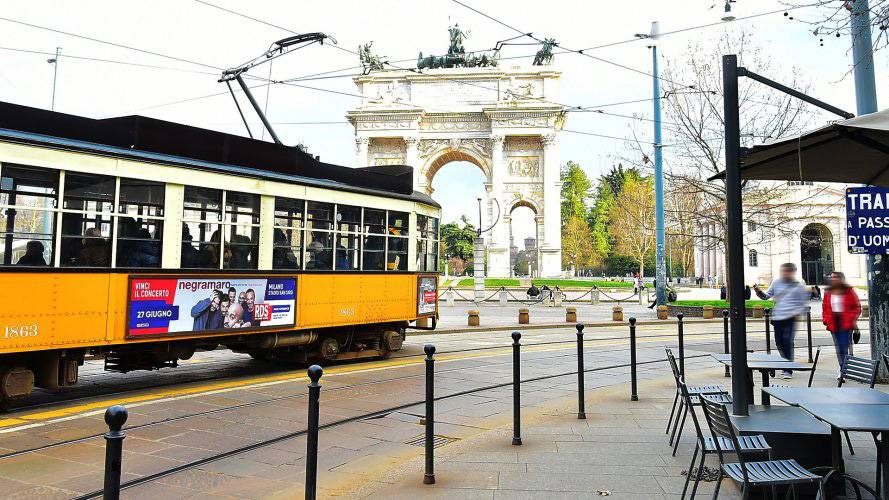 IGPDecaux Milan Side Banner for RDS