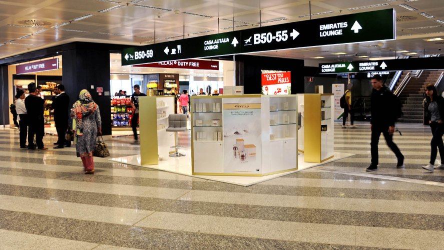 Out Of Home IGPDecaux temporary at Malpensa for Obey Your Body