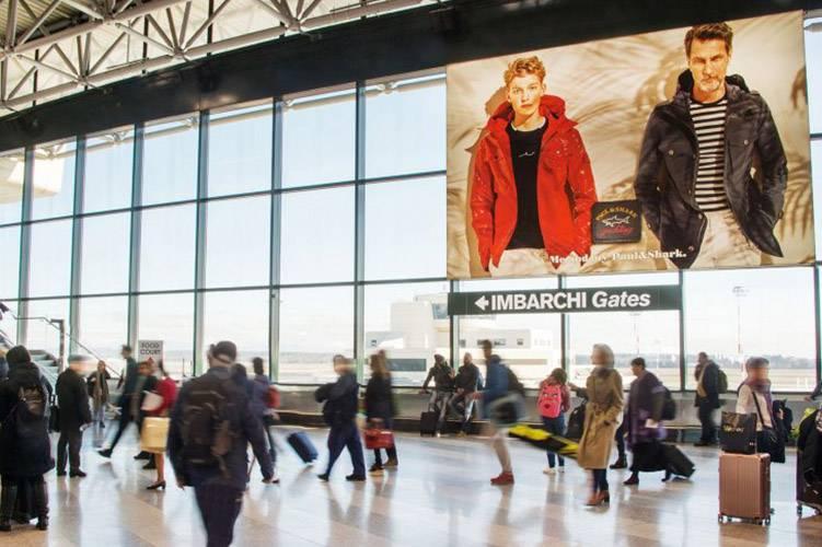 Pubblicità aeroporti IGPDecaux Impianti retroilluminati a Malpensa per Paul&Shark