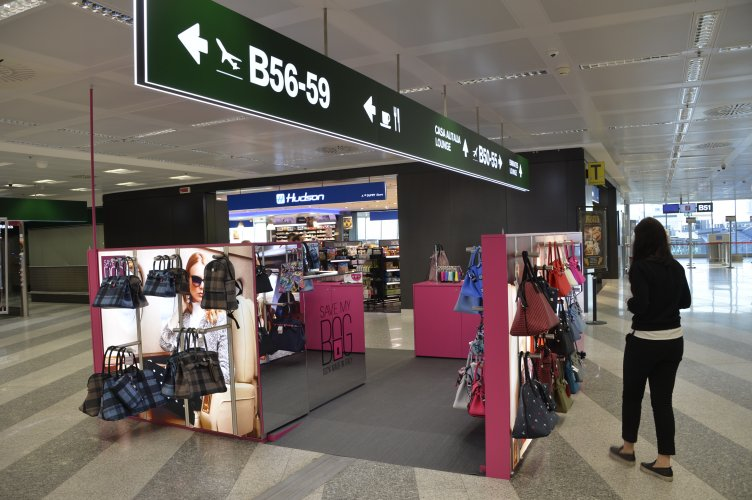 Malpensa airport advertising IGPDecaux temporary for Save My Bag