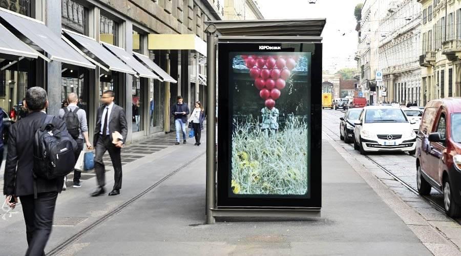 Pubblicità out of home IGPDecaux smart content a Milano per IT