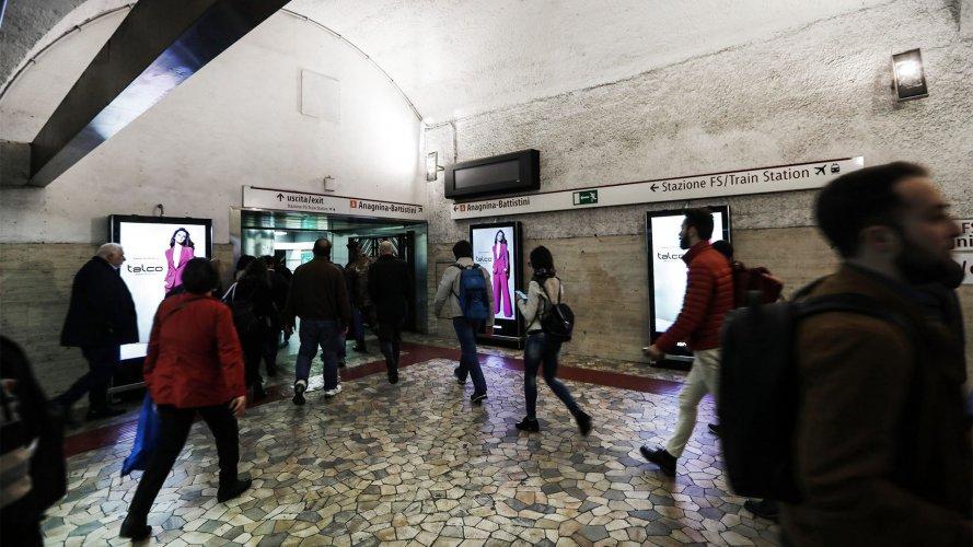 Pubblicità metropolitana Roma IGPDecaux Circuito Digital per Talco