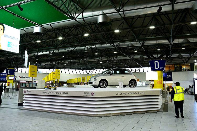 Airport advertising IGPDecaux at Torino Caselle Exhibition area for Fiat 500