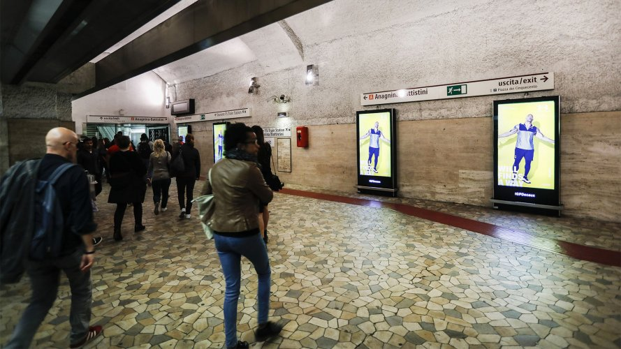 dooh advertising IGPDecaux Underground Vision Network in Rome for Under Armour
