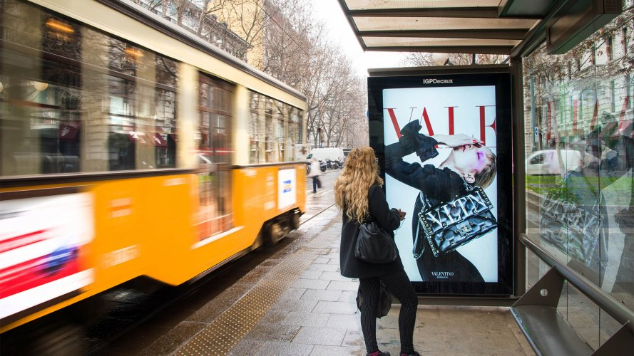 Outdoor communication IGPDecaux Vision Network in Milan for Valentino