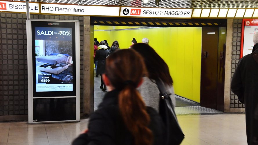 Out Of Home advertising Milan Underground Vision Network for Vergani