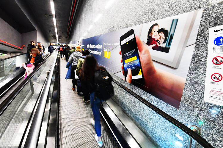 Underground advertising Area station domination IGPDecaux in Milan for Western Union