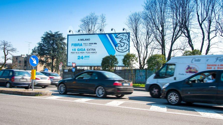 Affissioni IGPDecaux a Milano medio formato per OraSì