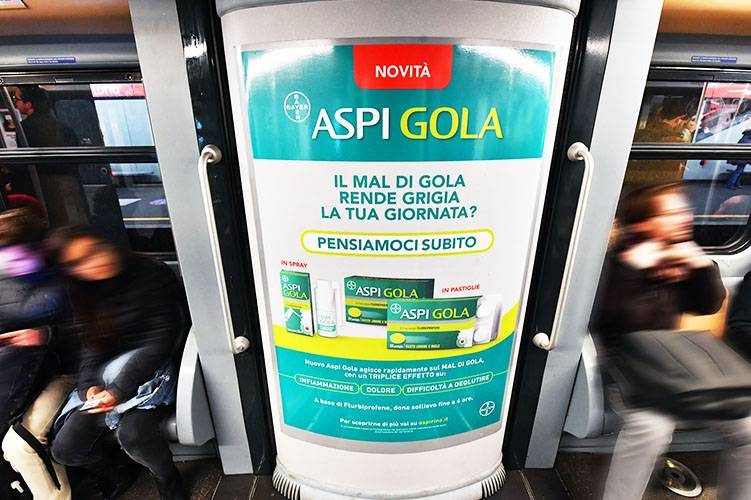 Pubblicità in metropolitana IGPDecaux Interno Vettura Metropolitana per Esselunga a Milano