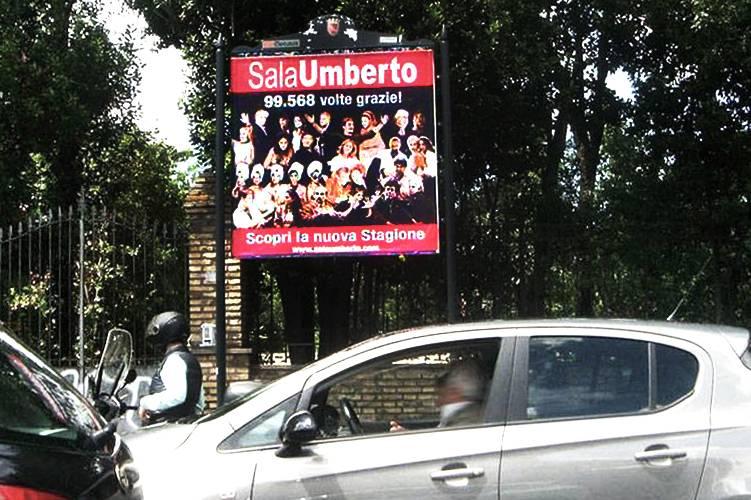 Cartellonistica pubblicitaria IGPDecaux Stendardi per Umberto Sala a Roma